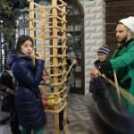 Аттракцион для ловких и сообразительных в парке-музее Этномир