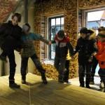 Аттракцион-лабиринт в парке-музее Этномир привлек внимание экскурсантов