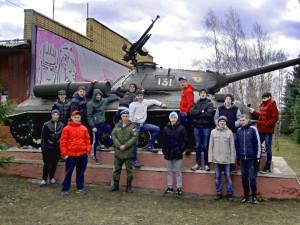 Участники сборов в музее бронетехники